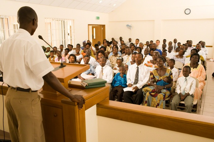 sacrament-meeting-in-Ghana